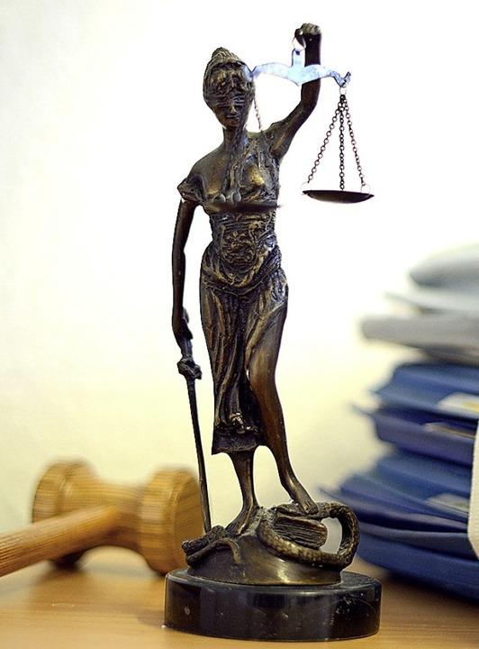 Justitia hat sich milde gezeigt.  | Foto: Volker Hartmann (dpa)