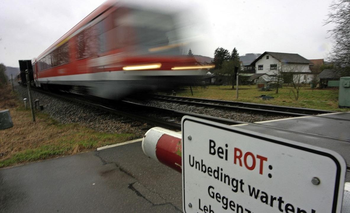 Noch sausen die Regionalbahnen ohne St...tzung des Bad Säckinger Gemeinderats.     Foto: Bastian Henning