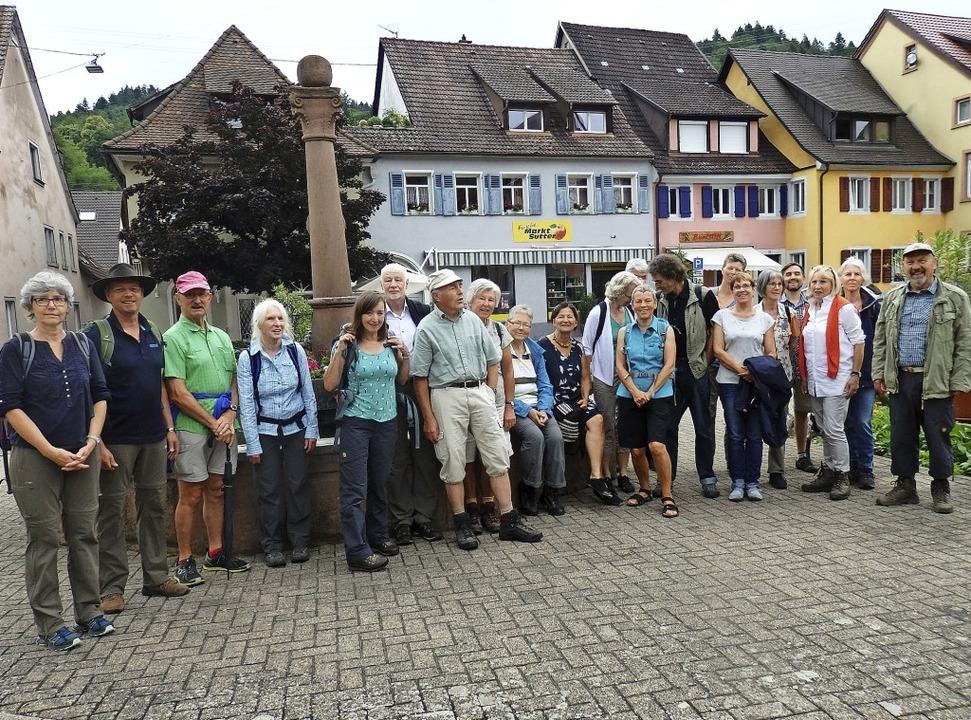 Zur Orgelwanderung am Fronleichnamstag...uch am Marktplatzbrunnen in Sulzburg.   | Foto: Bianca Flier