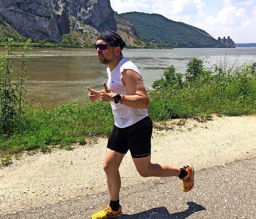 Jetzt hat das Lauf-Event ein Ende. Mar... Etappe entlang der Donau in Rumänien.  | Foto: Lauftreff Pfohren
