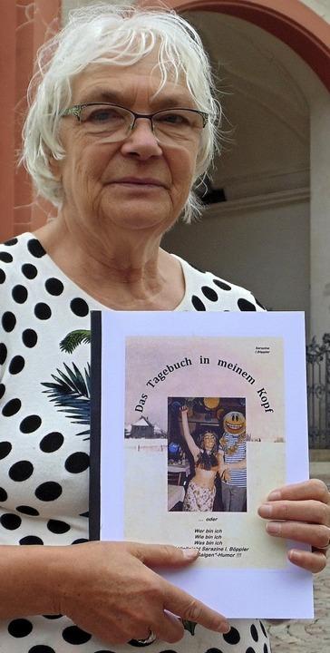 Nimmt kein Blatt vor den Mund:  Inge Böppler mit ihrem zweiten Buch   | Foto: Michael Gottstein