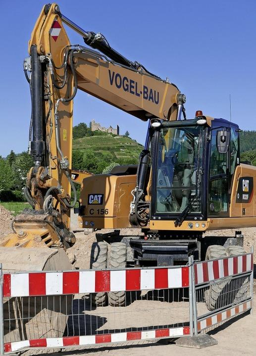 Die Bagger sind zur Erschließung von S...t Gaisgraben-Süd schon heftig zugange.  | Foto: Hans-Peter Müller
