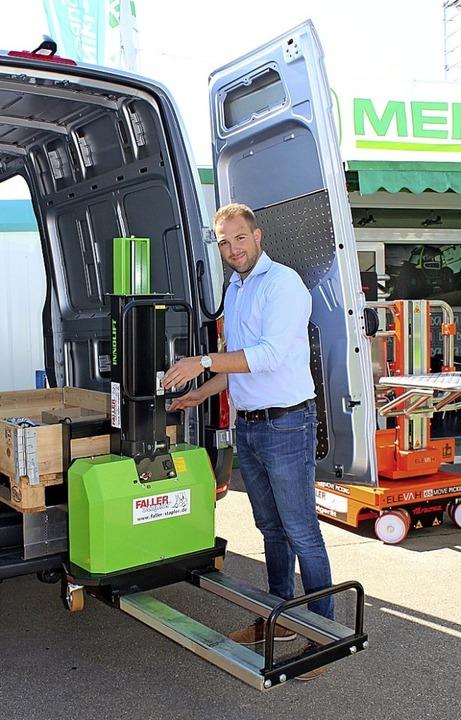 Absolute Neuheit: Rafael Albert von de...ahme im Transporter geeignet ist, vor.  | Foto: Christa Maier
