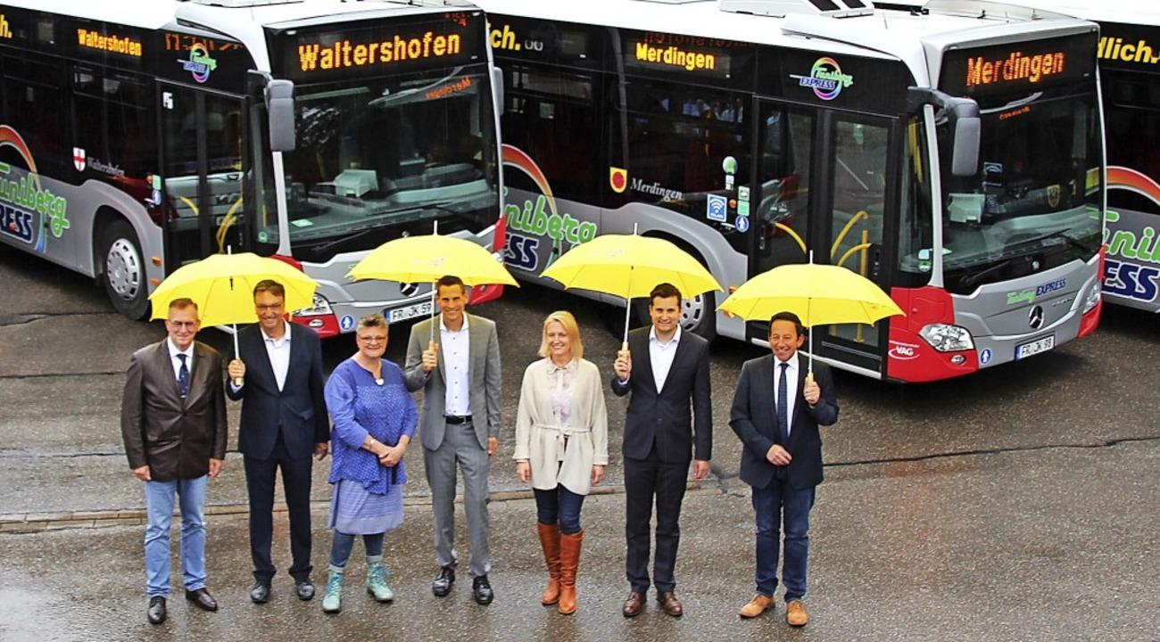 Anlässlich des Linien-Jubiläums bekame...en sich auch die Vertreter selbiger.    | Foto: Mario Schöneberg