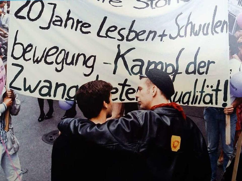 Teilnehmer des ersten Christopher Street Days 1989 in Freiburg  | Foto: Matthias Fünfgeld