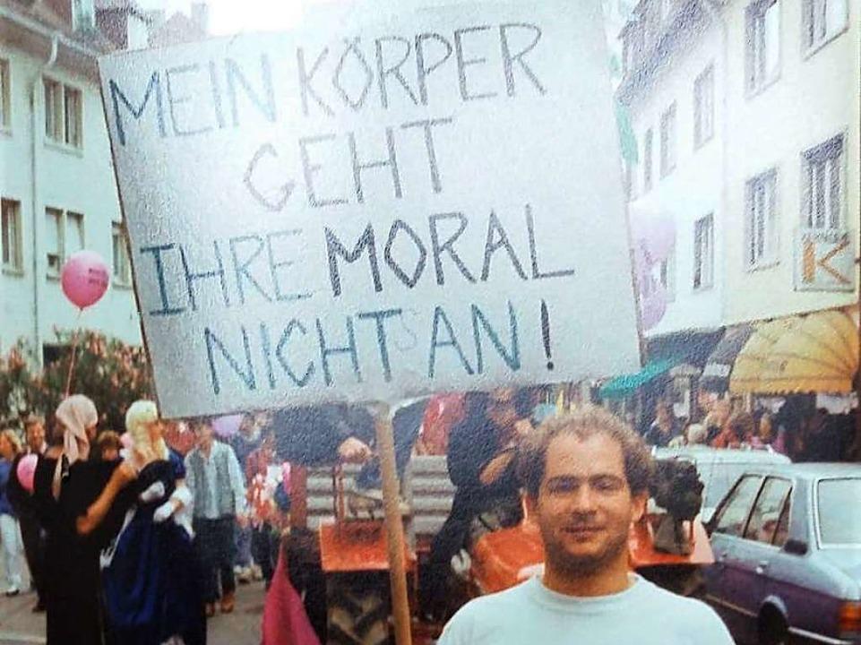Demonstrant beim ersten Christopher Street Day 1989 in Freiburg  | Foto: Matthias Fünfgeld