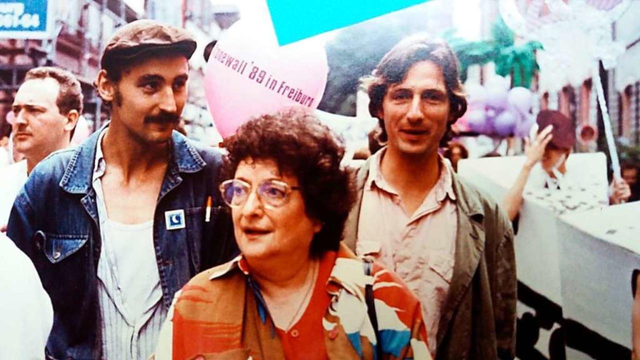 Teilnehmerinnen und Teilnehmer des ers...ristopher Street Days 1989 in Freiburg  | Foto: Matthias Fünfgeld