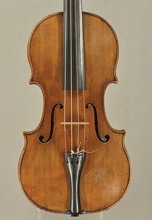 Der Italiener Battista Rogeri baute die Geige 1699.   | Foto: Privat