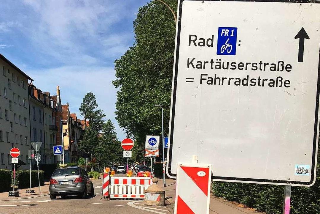 Kurz gezögert, links und rechts die Ve...ignoriert und dann ab durch die Mitte   | Foto: Simone Höhl