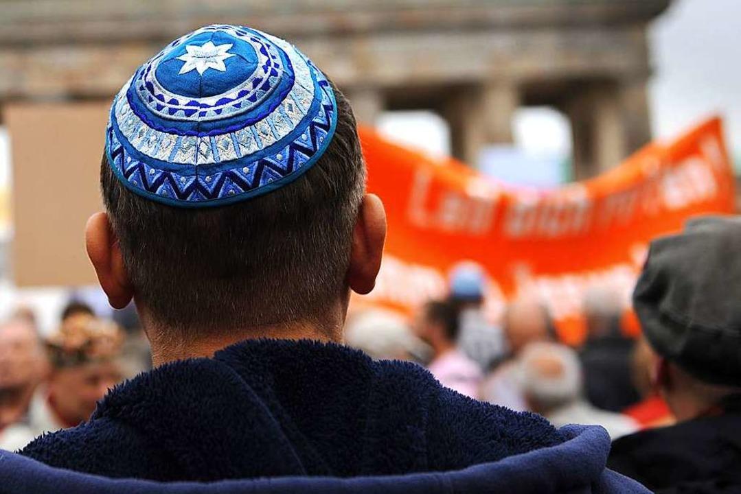 Gegen den Hass auf Juden: Unser Bild z...ration gegen Antisemitismus in Berlin.    Foto: Maja Hitij