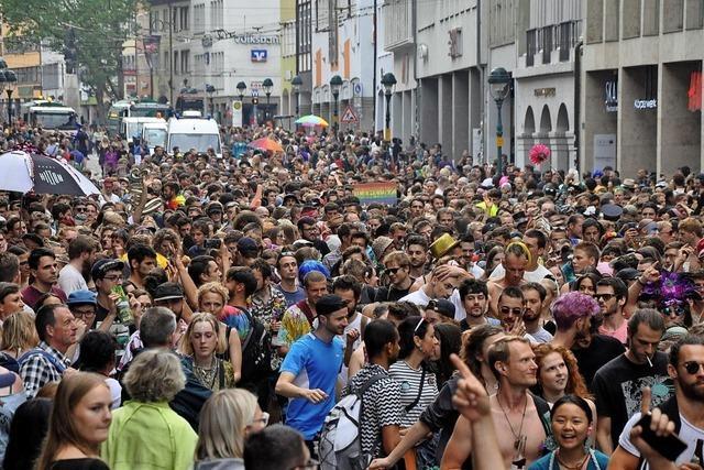 Tausende feiern ein Fest der Toleranz