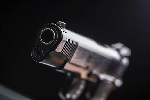 Flüchtiger Täter verletzt Mann durch Schüsse in Basel