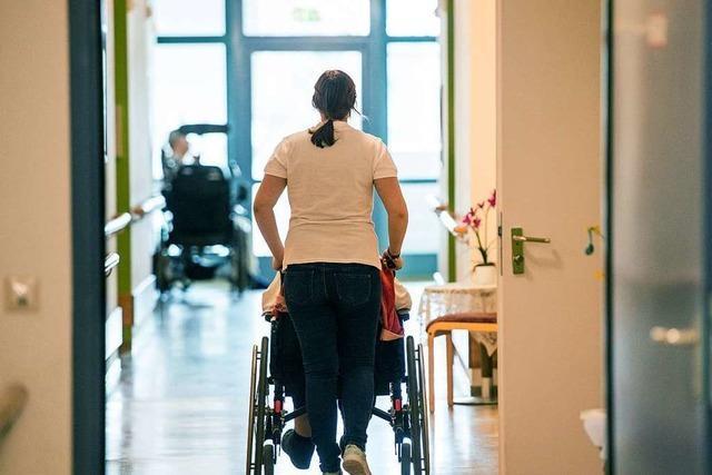 Um den Pflegebedarf im Kreis Lörrach künftig zu decken, müssen Angebote ausgebaut werden
