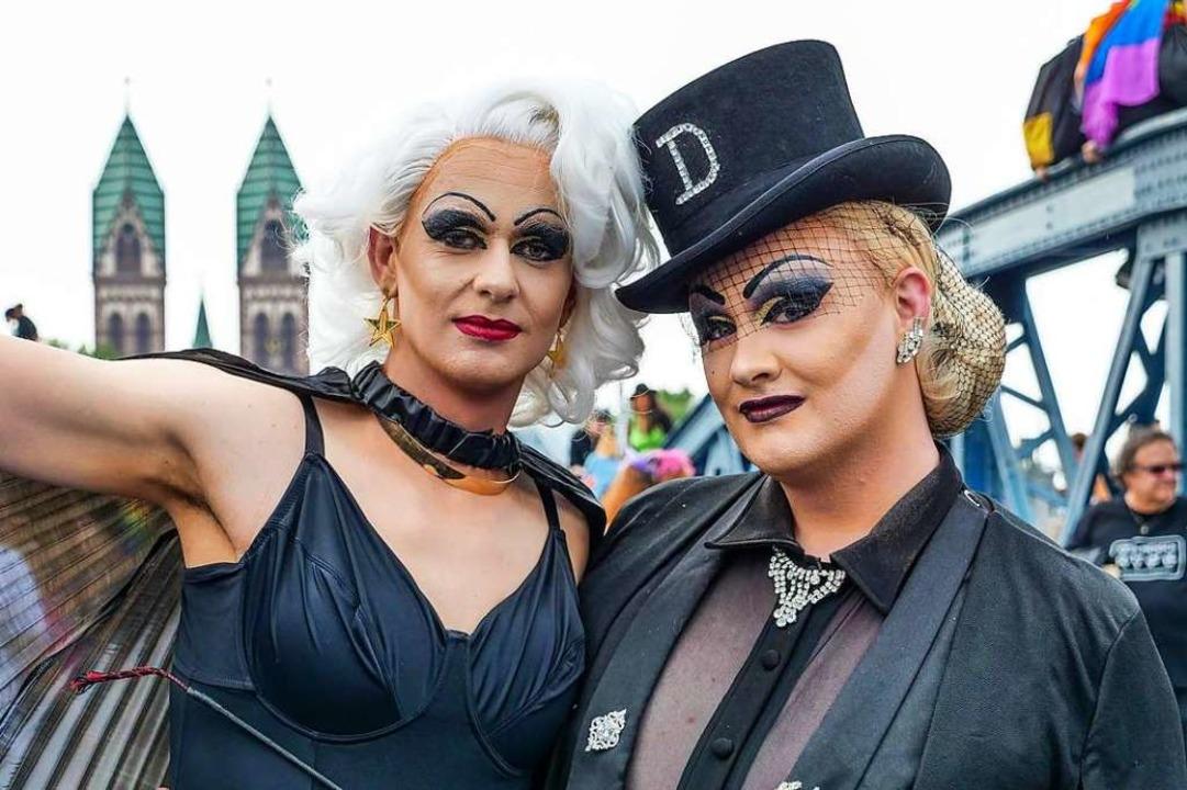 fudder-Autor Stefan Mertlik (links) und Drag-Queen Dita Whip auf dem CSD 2019.  | Foto: Patrick Kerber
