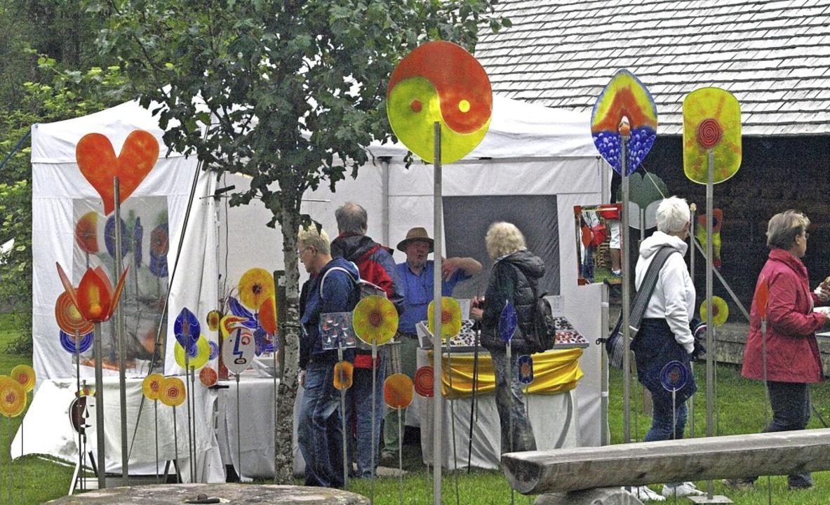 Die Besucher kamen beim Kunststückchenmarkt voll auf ihre Kosten.  | Foto: Karin Stöckl-Steinebrunner