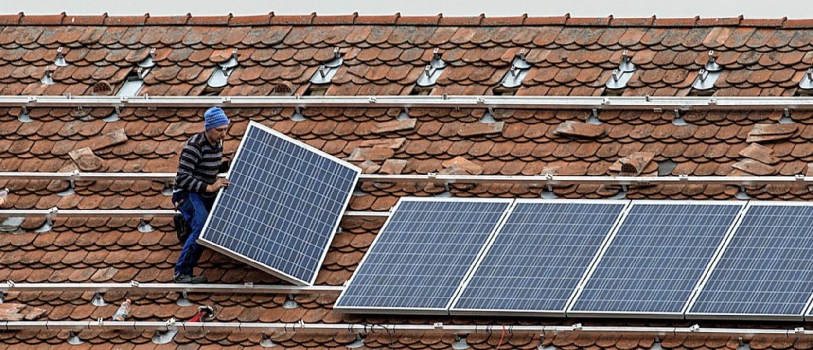 Wer mehr aus seiner Photovoltaikanlage herausholt, entlastet den Geldbeutel.     Foto: Armin Weigel