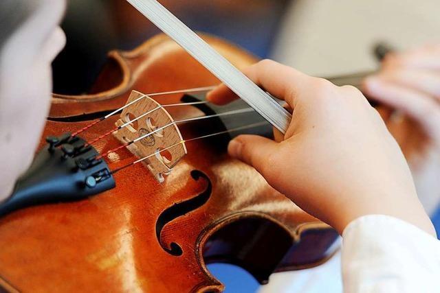 Leider greifen nicht nur Spitzenmusiker zu Geigen und Ukulelen
