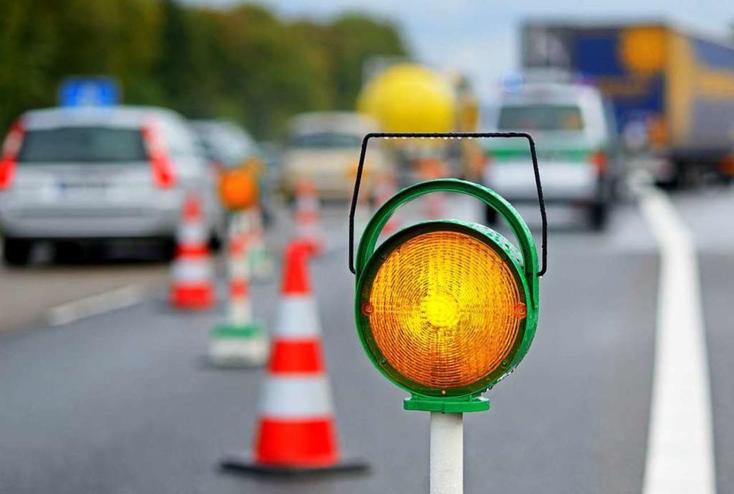 Bei einem Unfall in Lörrach wurden drei Personen leicht verletzt (Symbolbild).  | Foto: Gerhard Seybert (Adobe Stock)