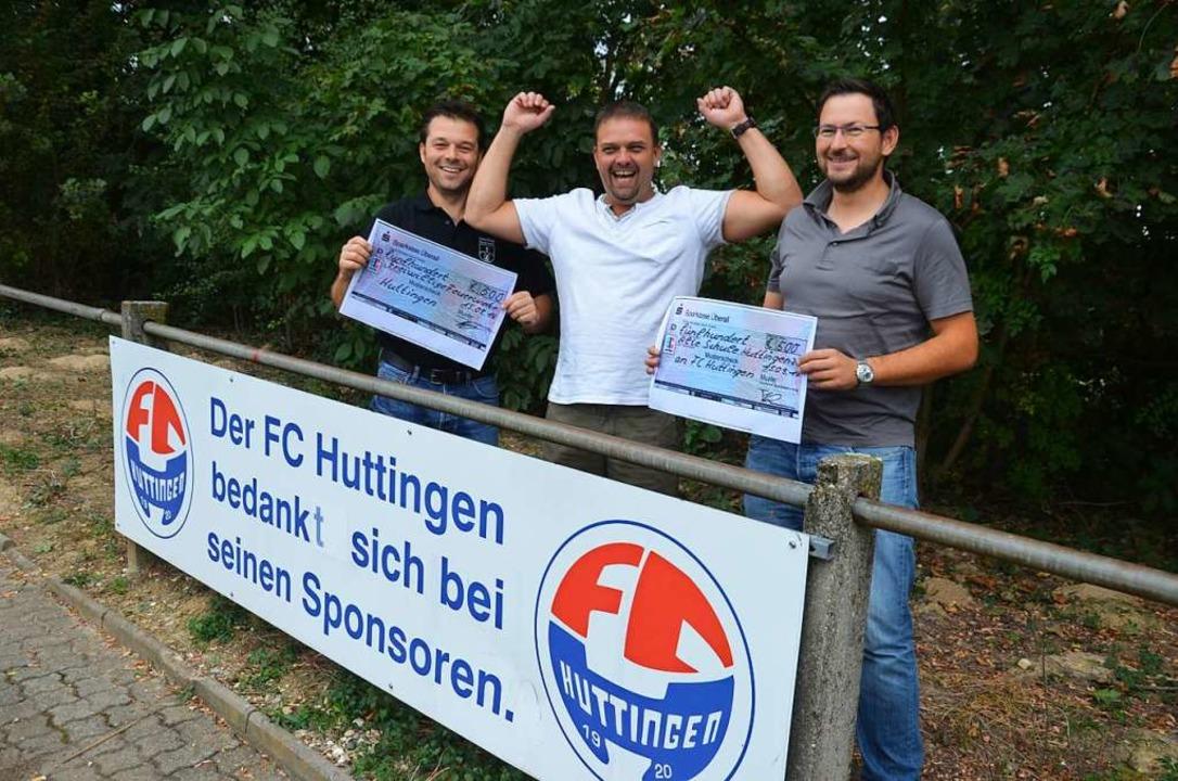 2016 jubelte der Vorsitzende des FC Hu...em, dass man auf Korkgranulat setzte.   | Foto: Marco Schopferer