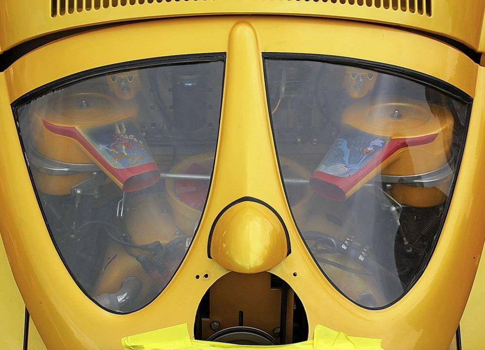 Käfer mit Porschemotor und Doppelverga...ber Power unter der verglasten Haube.   | Foto: Gert Brichta