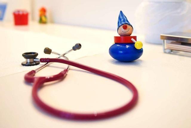 Kinderarzt soll übergriffig geworden sein