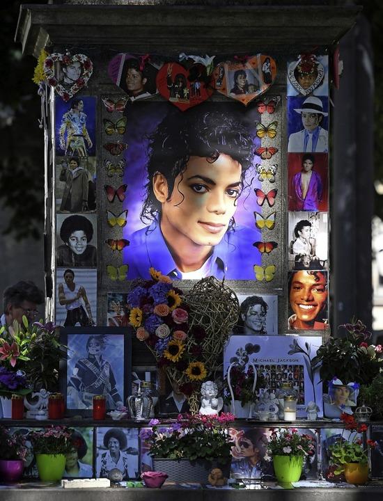 Michael-Jackson-Denkmal in München   | Foto: Tobias Hase (dpa)