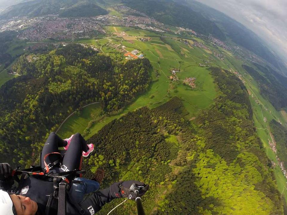 Die Welt von oben: Blick vom Kandel auf Waldkirch  | Foto: BZ