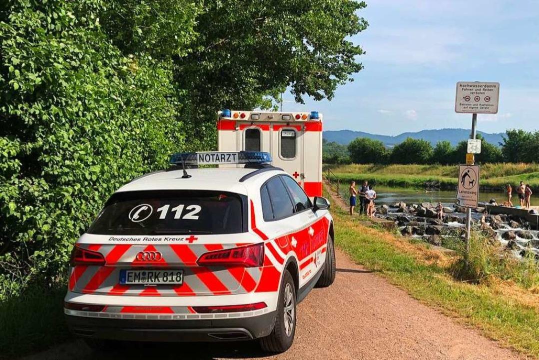 Rettungseinsatz am Stauwehr Kollmarsreute   | Foto: Feuerwehr Emmendingen