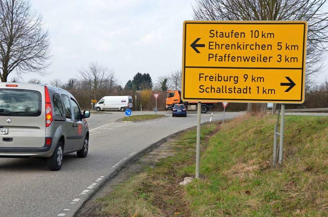 An dieser Kreuzung von der Kreisstraße...ergrund) ist ein Turbokreisel geplant.  | Foto: Andrea Gallien