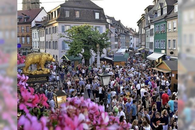Drei Tage Musik, kühle Getränke und kulinarische Kleinigkeiten in der Freiburger Altstadt