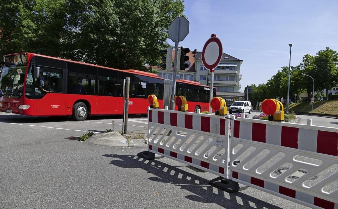Bis 14. Juli gilt  die halbseitige Spe...er Verkehr kann stadtauswärts rollen.     Foto: Ingrid Böhm-Jacob