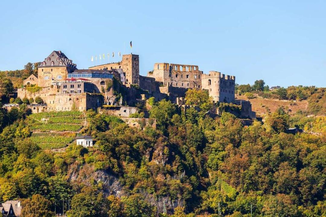 Malerisch gelegen:  die Burg Rheinfels    | Foto: adobe