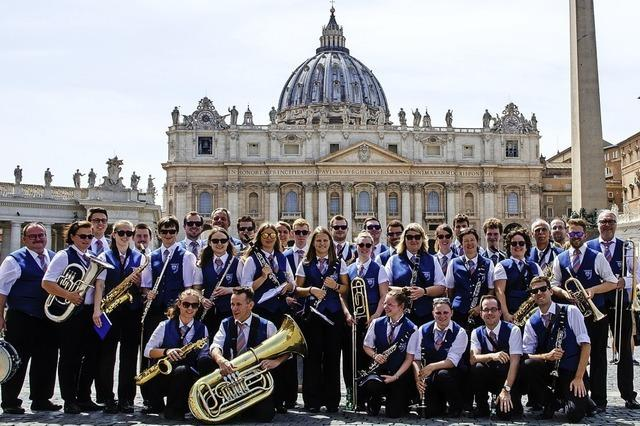 Stadtkapelle spielt bei Messe im Petersdom auf