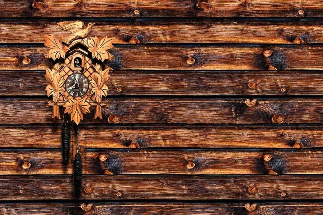 Die Kuckucksuhr ist eines der Wahrzeichen des Hochschwarzwalds.  | Foto: by-studio busse yankushev (stock.adobe.com)