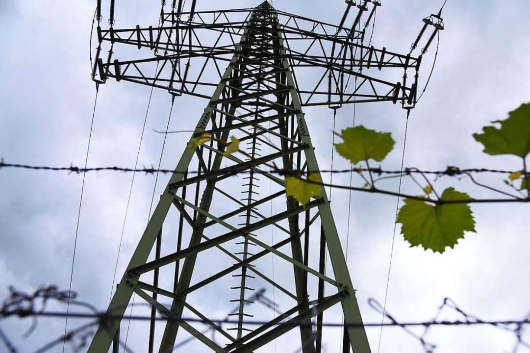 Wer die Ortsteile künftig mit Strom versorgt, bleibt unklar (Symbolbild).  | Foto: Jonas Hirt