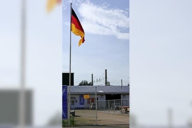 AUCH DAS NOCH: Unter falscher Flagge gesegelt