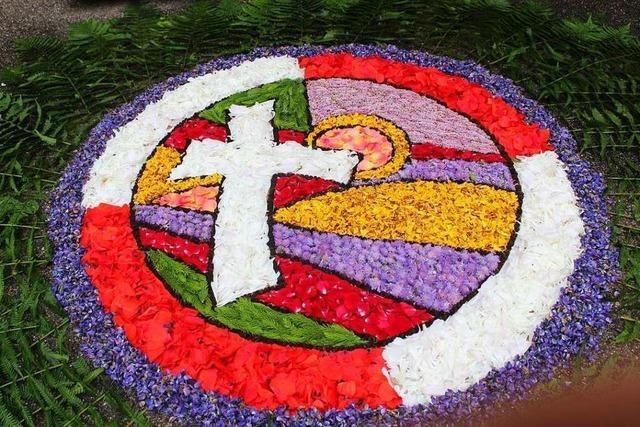 Hunderte Gläubige nehmen am Unadinger Bruderschaftsfest teil