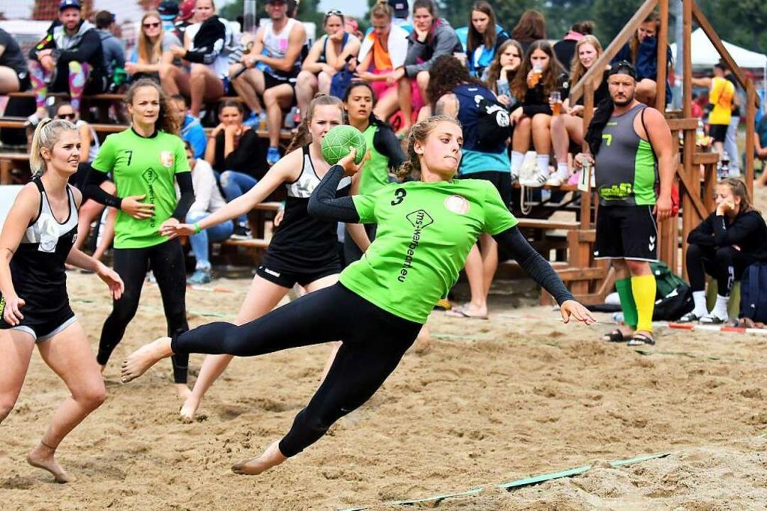 Vier gegen vier auf Sand: So funktioni... den Desperados Housewives,<ppp></ppp>  | Foto: Wolfgang Künstle