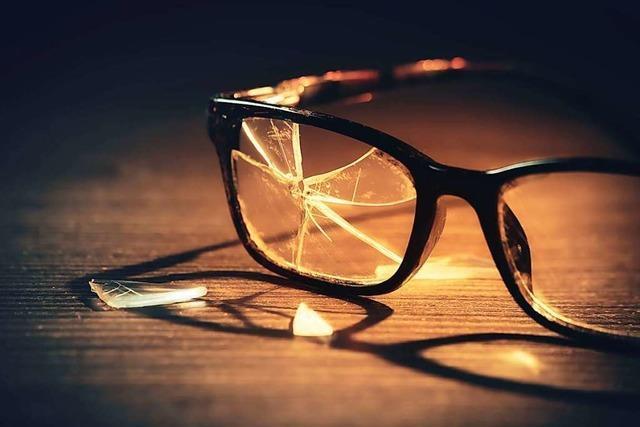 Rheinfelden: Frau reißt 19-Jähriger Brille runter