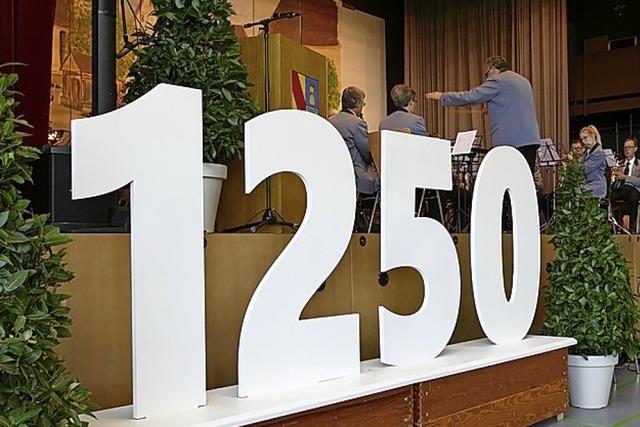 Fest zum 1252. Geburtstag