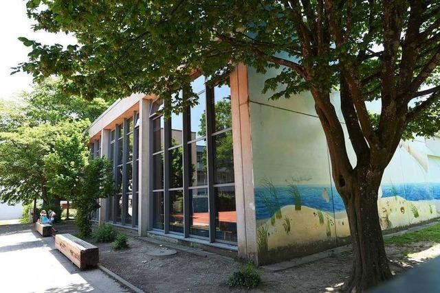 Sporthallen-Dach der Loretto-Grundschule ist undicht