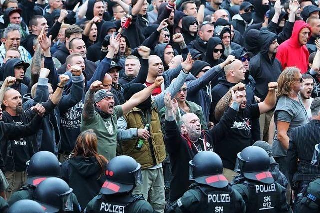 12.700 Rechtsextremisten gelten als gewaltbereit