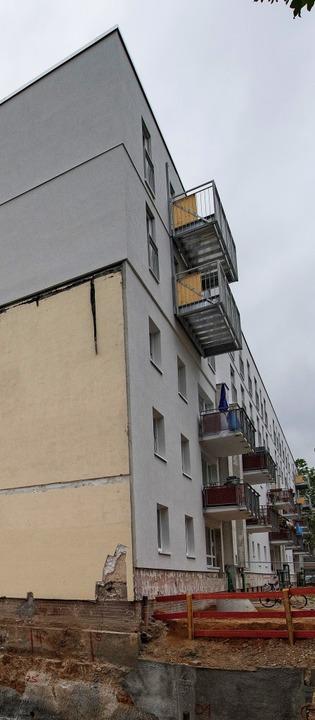 Zwei neue Stockwerke sind auf dieses M...nsiedlung in Frankfurt gesetzt worden.    Foto: Boris Roessler
