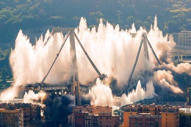 Reste der Unglücksbrücke von Genua gesprengt