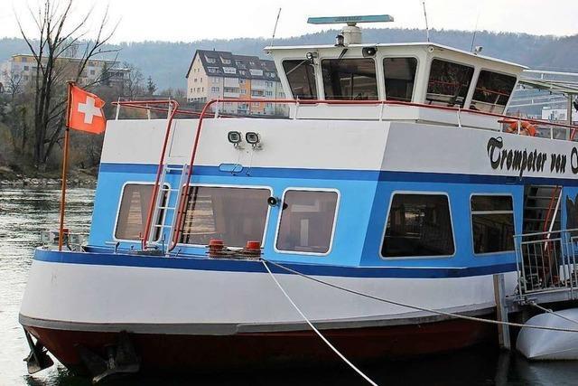 Beschädigtes Boot gehört zum