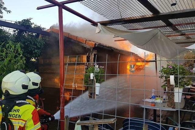 Gasexplosion setzt Gundelfinger Gartenhütte in Brand