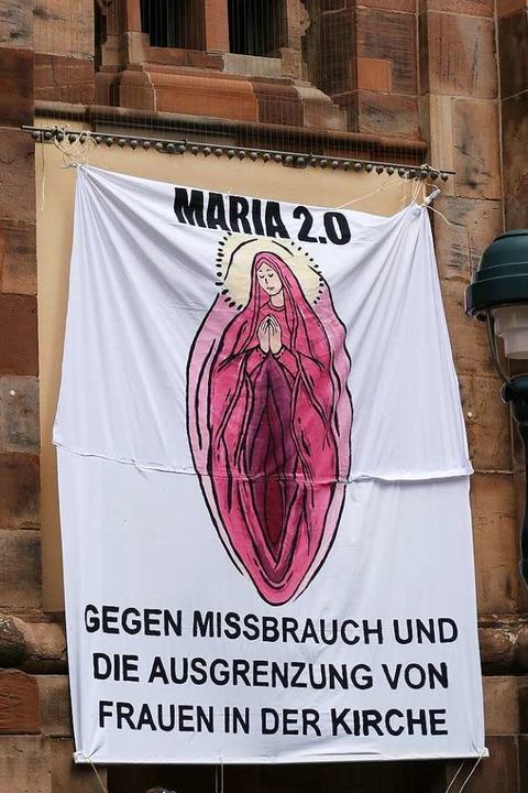 Eine Woche lang hing das umstrittene P...an der Unikirche an der Bertoldstraße.  | Foto: Fachschaft Theologie