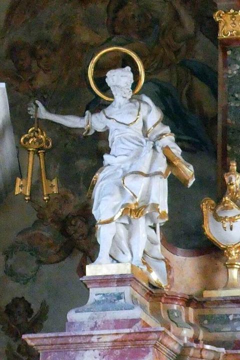 Petrus mit Schlüssel: So wird der Heil...osterkirche von St. Peter dargestellt.  | Foto: Erik Kunz