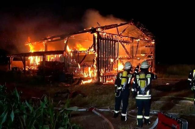 Scheune bei Grafenhausen brennt ab – mehr als 100 000 Euro Schaden