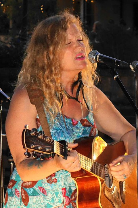 Singer-Songwriter Festival 2019 in Schwand: Lindsay Ferguson  | Foto: Gudrun Gehr